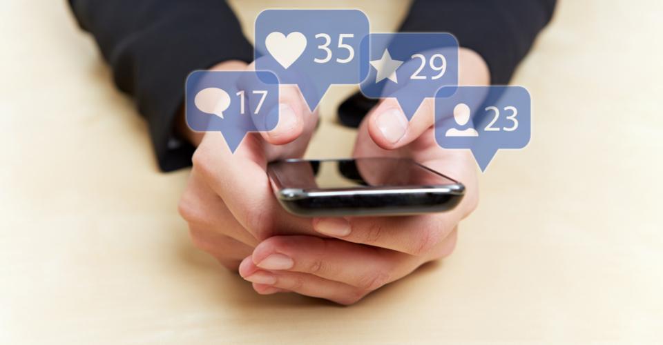 Social Media 960x500